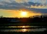 夕阳照在三叉河上
