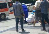 中央大道二期门口一老爷爷晕倒在地
