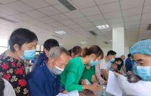 助力构建免疫屏障,保障百姓健康 ——医院为居民开展新冠疫苗集中接种工作