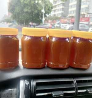 纯天然土蜂蜜 老式棒棒槽蜜 70一斤需要的联系我 微信15228401116