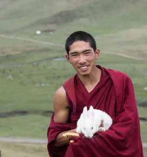 高原上的藏族青年