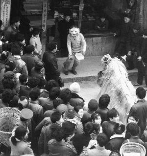 老照片【玩狮子】拍于梓潼1985年