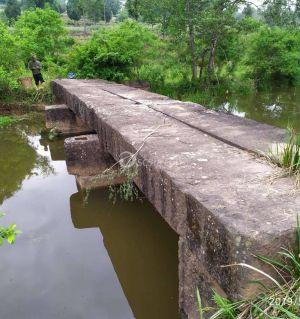 请问这个桥有多少年历史了