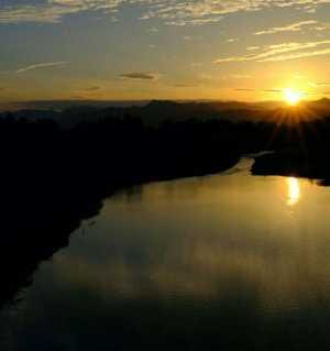 江油河西大桥 观落日……