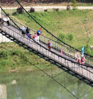 星火村的索桥