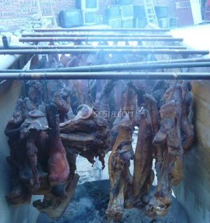 肉价跌了,赶紧先做点腊肉。
