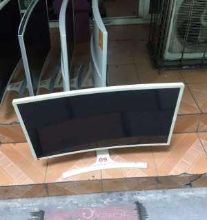 大量二手网吧显示器27寸 32寸 450到700一台有需要电话联系15181629021