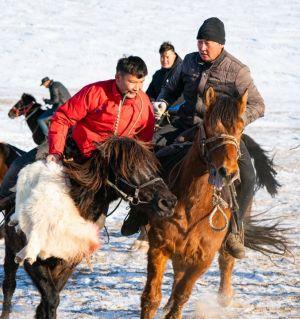 哈萨克族叼羊活动